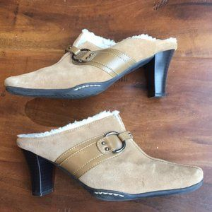 Aerosoles Cinch of Salt Mules Slides Shoe
